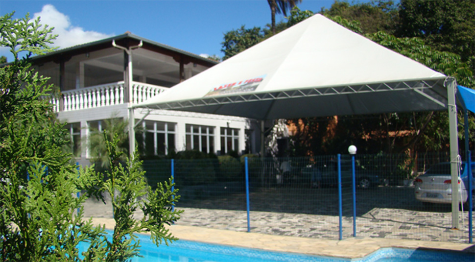 Muito Espaço e confortoEspaço interno com dois ambientes, boate para dj e muito espaço externo com piscina, churrasqueira e tenda ao ar livre